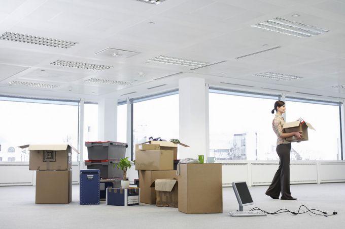 Wenn ein Unternehmen den Standort wechselt, gibt es eine lange To-do-Liste. Hier ein Überblick mit den wichtigsten Punkten, die man beim Umzug beachten sollte. Vor dem Umzug: Mitarbeiter informieren Tipp: …